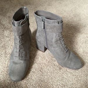 Nine West Gray / Taupe Boots Sz 8
